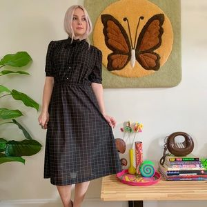 Vintage 70s does 40s grid print day dress Small